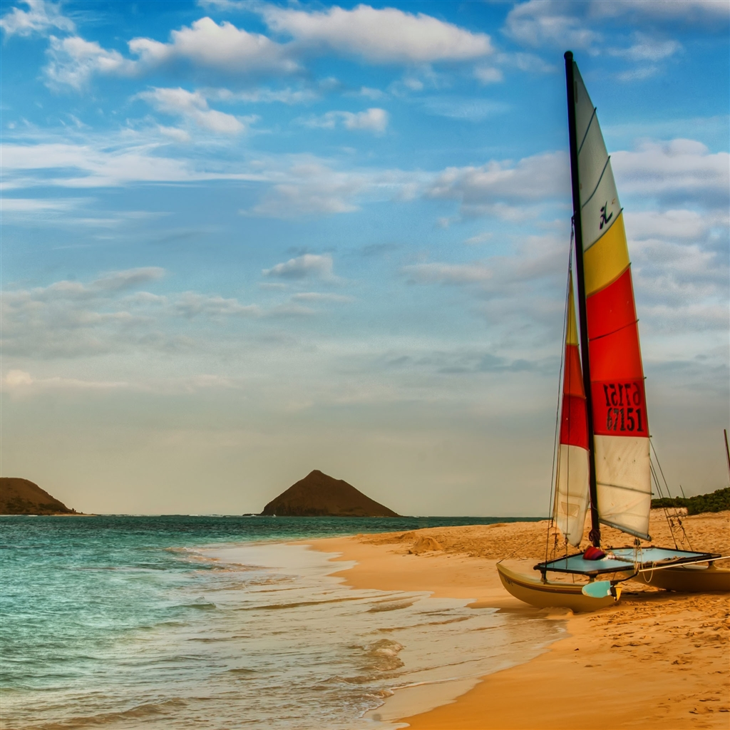 Boat-on-oahu-beach-ipad-4-wallpaper-ilikewallpaper_com_1024