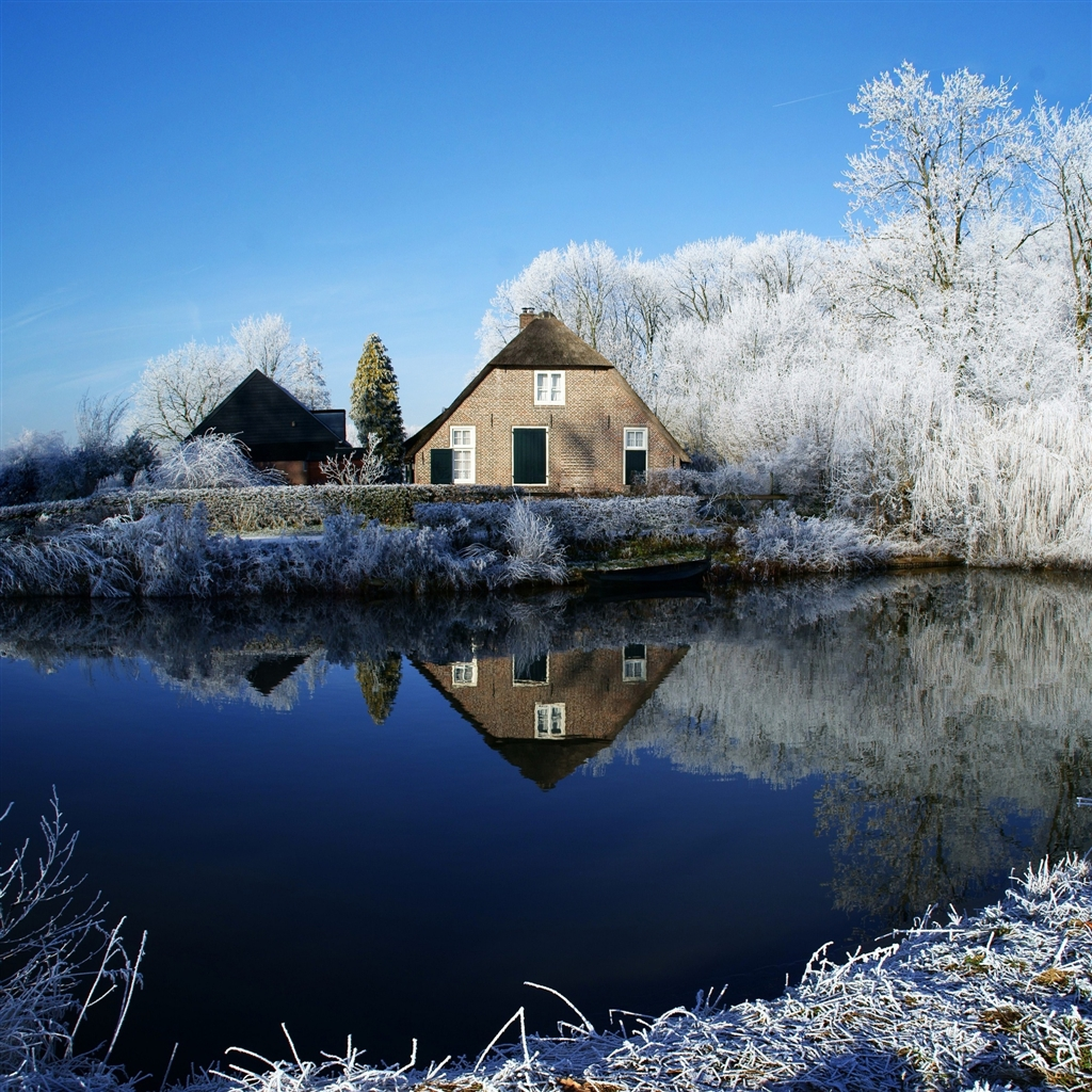 Farmhouse-along-Kromme-Rijn-River-ipad-4-wallpaper-ilikewallpaper_com_1024